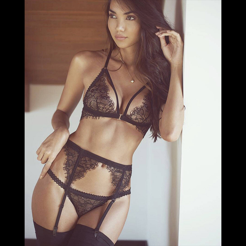 Interview with Vanessa Ferraro: model and lingerie designer